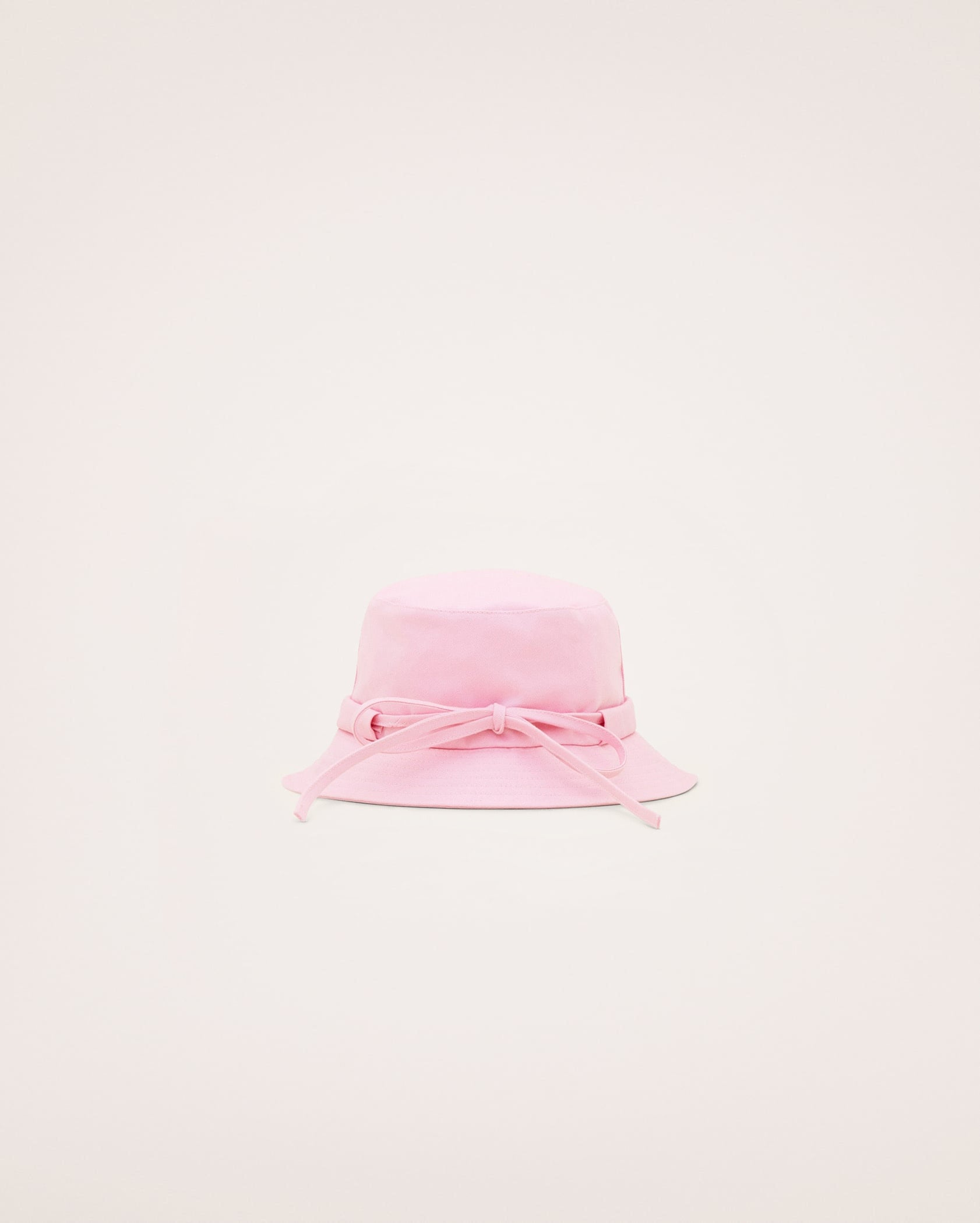 Jacquemus Le Bob Gadjo Bucket Hat Review Popsugar Fashion