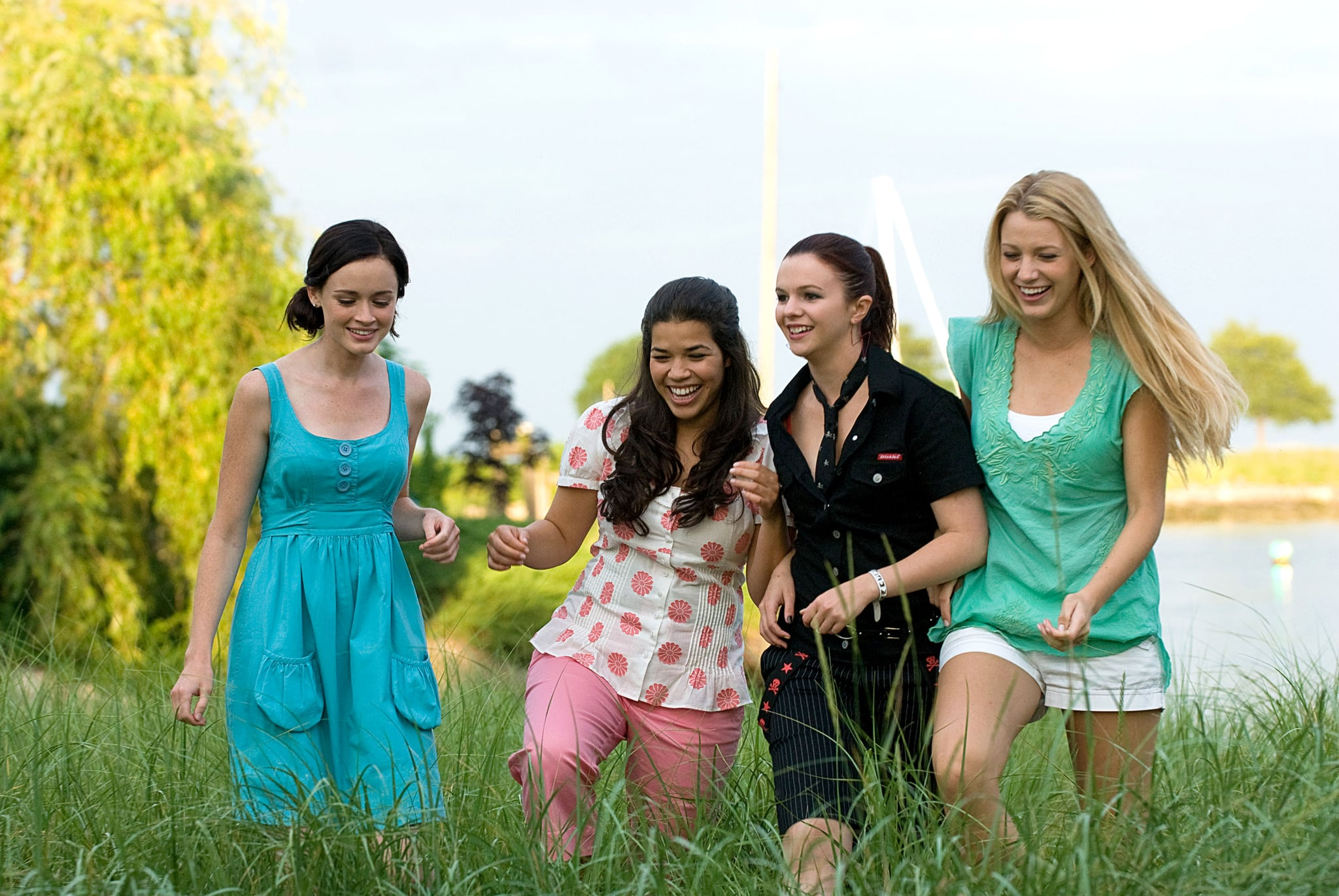 THE SISTERHOOD OF THE TRAVELING PANTS 2, Alexis Bledel, America Ferrera, Amber Tamblyn, Blake Lively, 2008. Warner Bros./courtesy Everett Collection