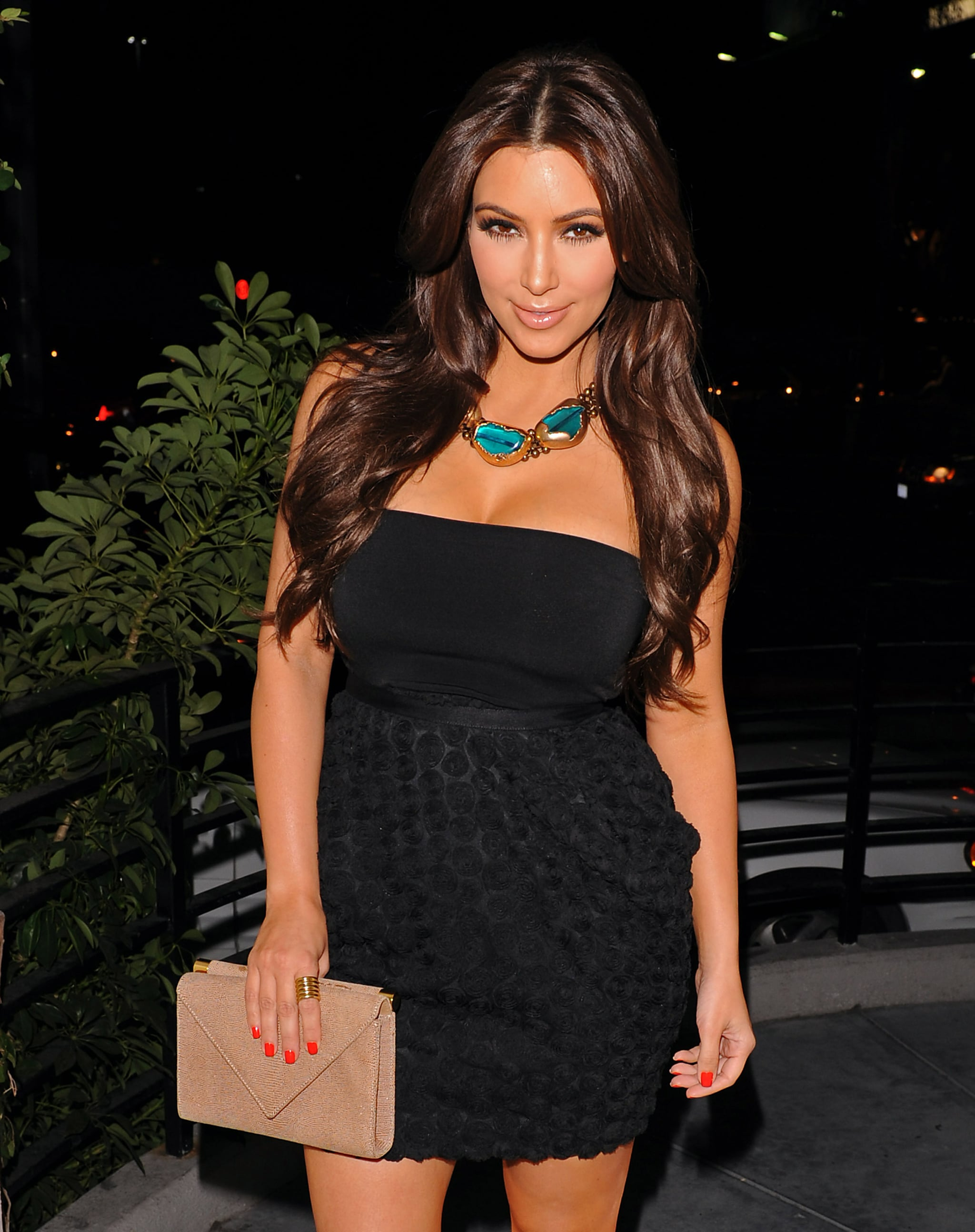 Pictures of Kim Kardashian and Fiance Kris Humphries Holding Hands ...