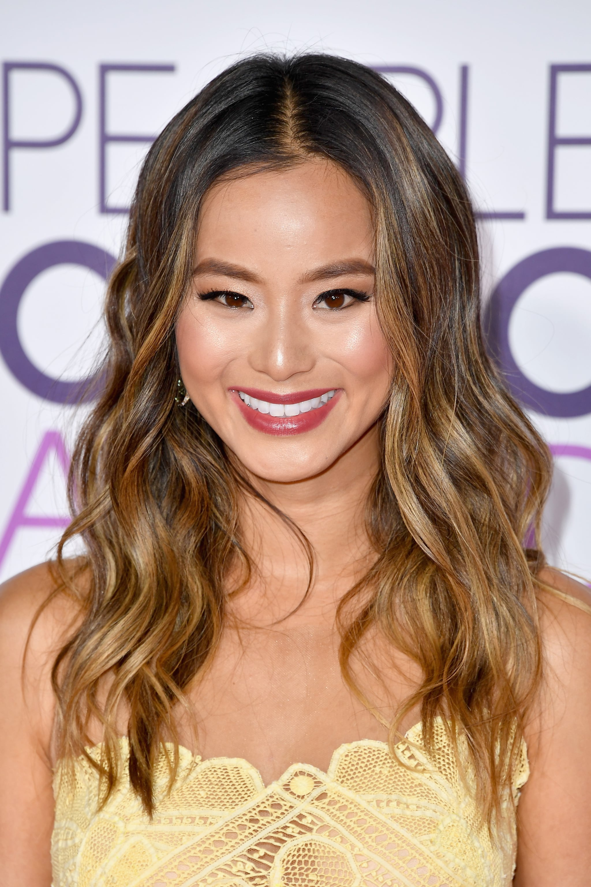 Jamie Chung S Hair At The 2017 People S Choice Awards