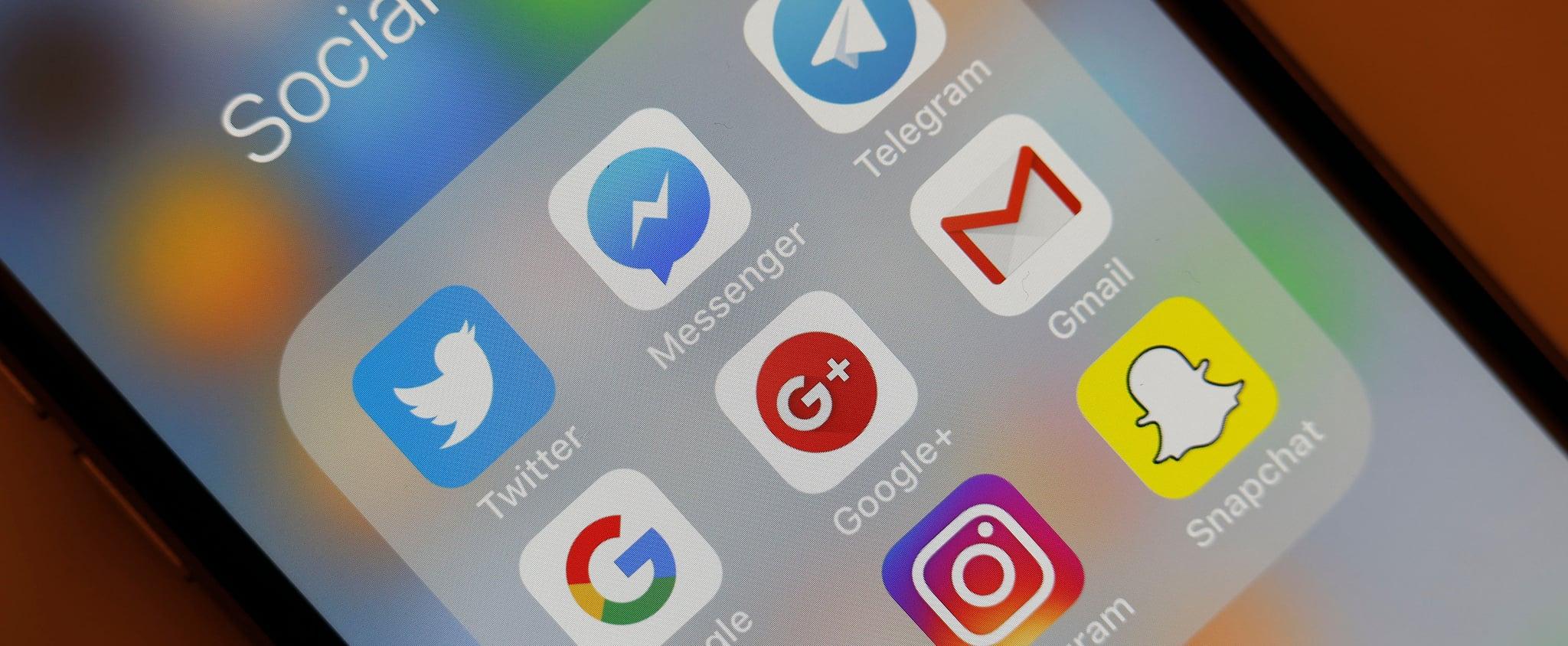 كيفية تحديد وسحب تطبيقات متعددة على الآيفون