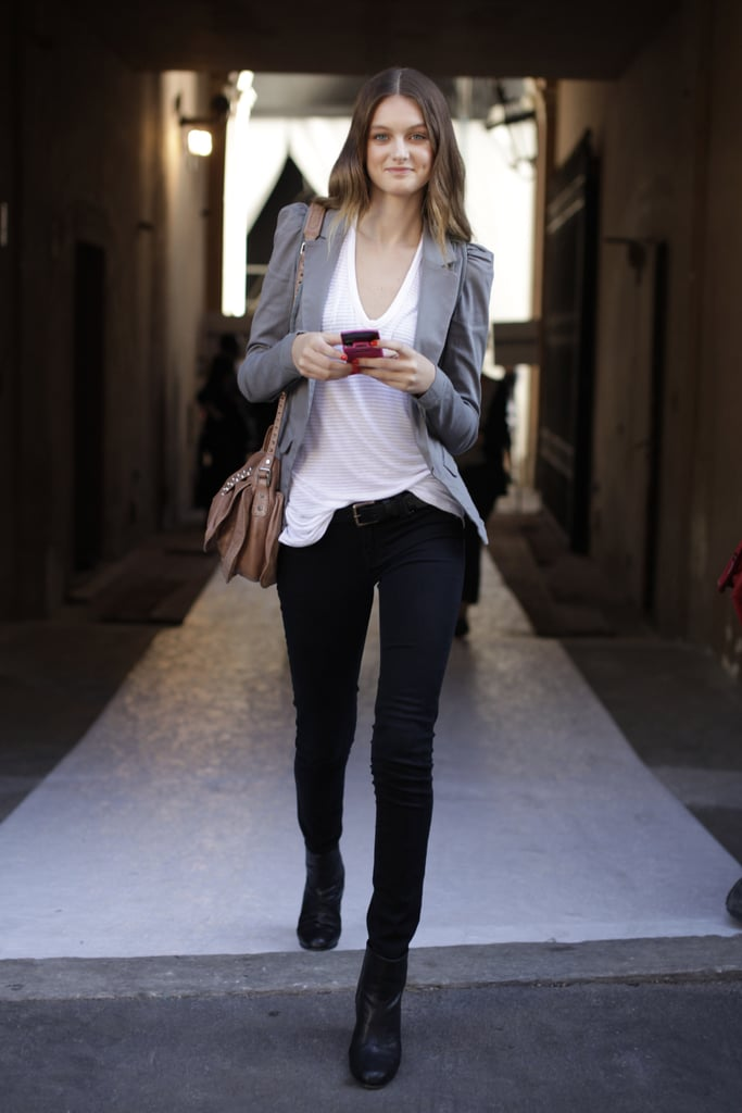 This is a simple look, but with a well-fit blazer and a slouchy white tee, it's also an expert take on proportions.