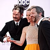 Leslie Mann posed with  her husband Judd Apatow and Jeremy Davies.