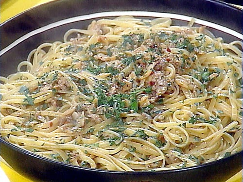 The Pioneer Woman's Linguine with Clam Sauce