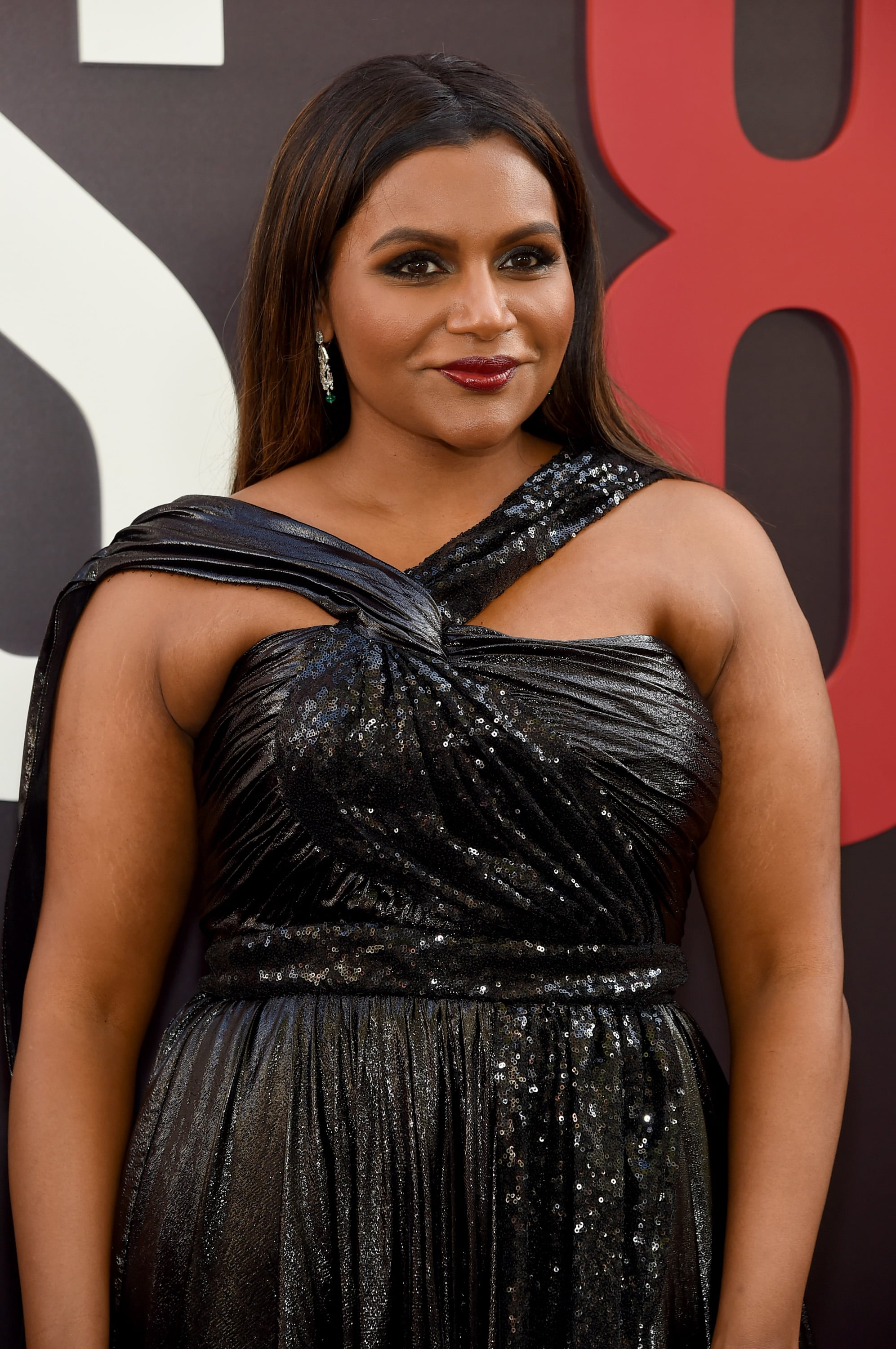 Mindy Kaling The Ocean S 8 Cast Cannot Stop Fangirling Over Rihanna And Honestly Can You Blame Them Popsugar Celebrity Photo 5