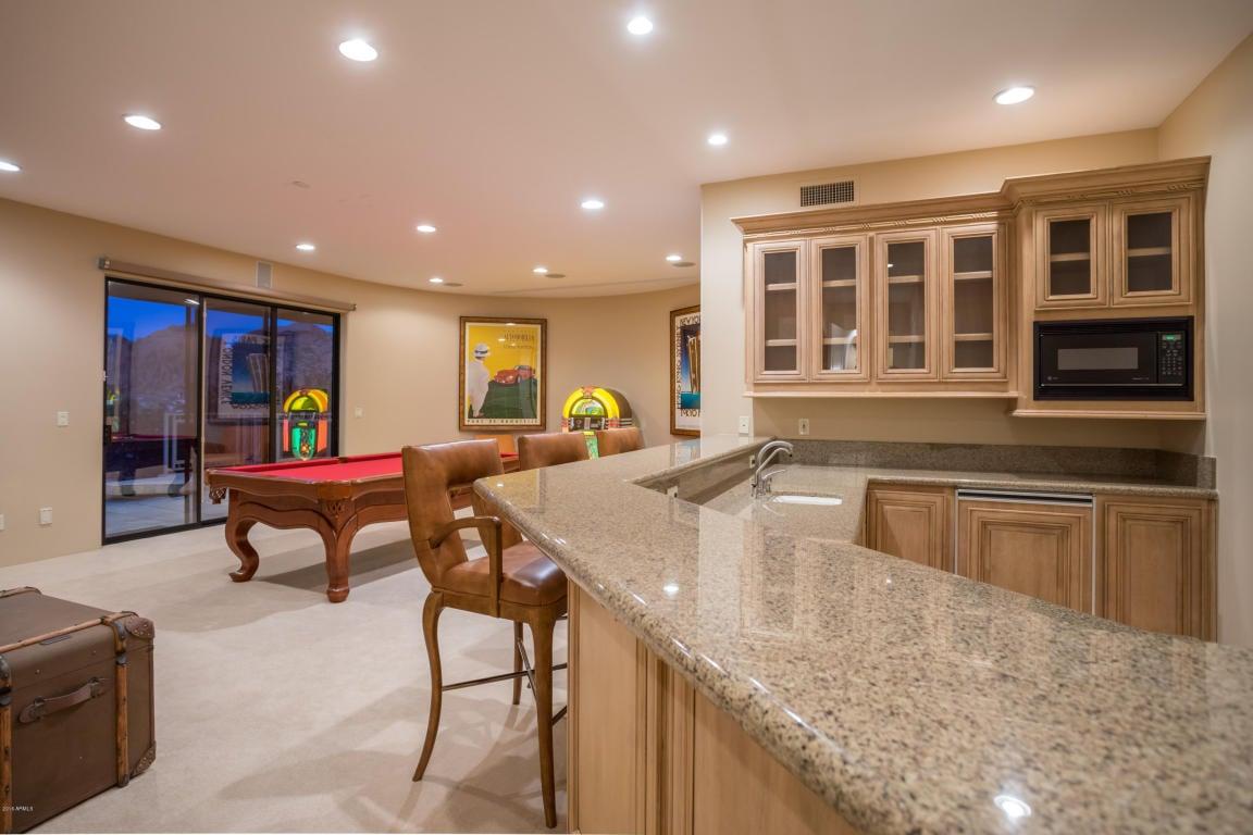 home garden swizz beatz and alicia keys 39 s arizona home. Black Bedroom Furniture Sets. Home Design Ideas
