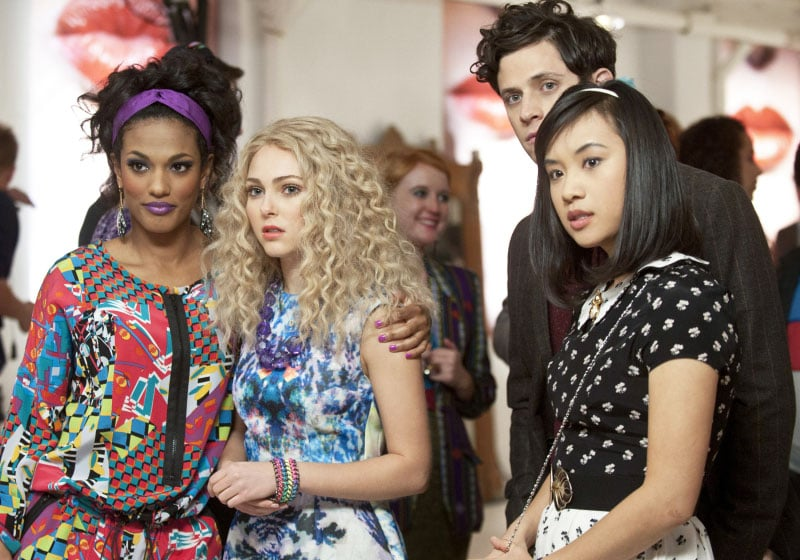 Carrie blossomed in a floral-print watercolour H&M dress while partying with Larissa and Mouse.  Photo courtesy of CW