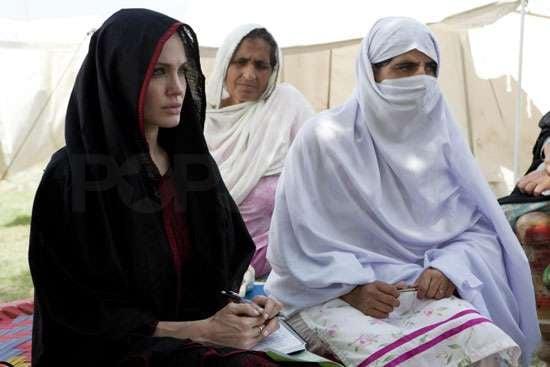 Pictures of Angelina Jolie in Pakistan