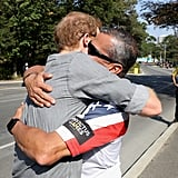 Harry hugged wounded veteran Ivan Castro at the Cycling Criterium time trial for the Invictus Games in 2017.
