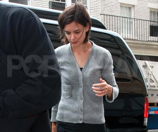 Photo Slide of Katie Holmes Heading Into a Dance Class