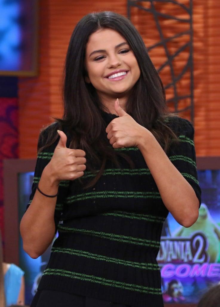 Selena Gomez On The Set Of Despierta America Popsugar Latina Photo 11