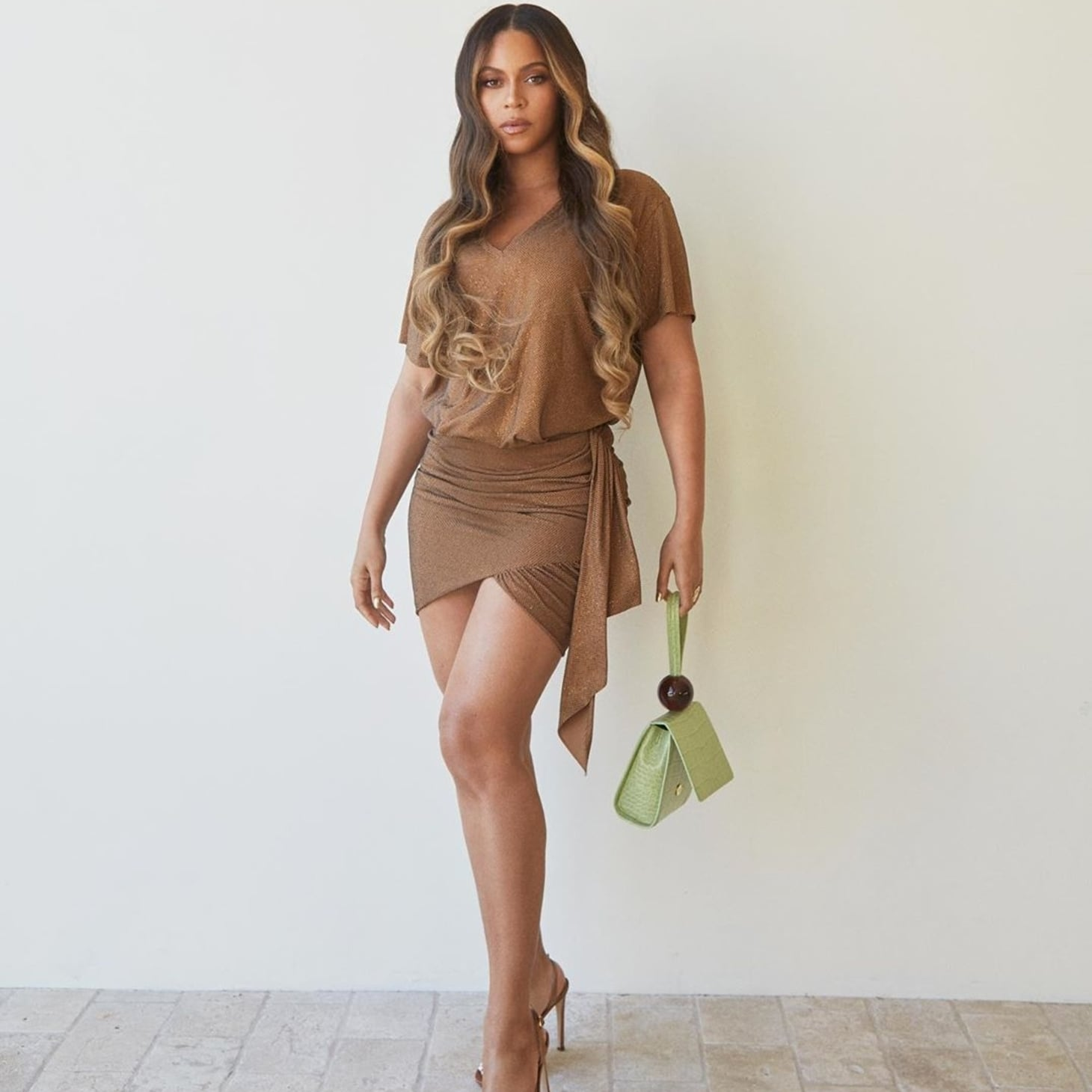 Flipboard: Beyoncé's Neutral Outfit At The NBA Finals 2019