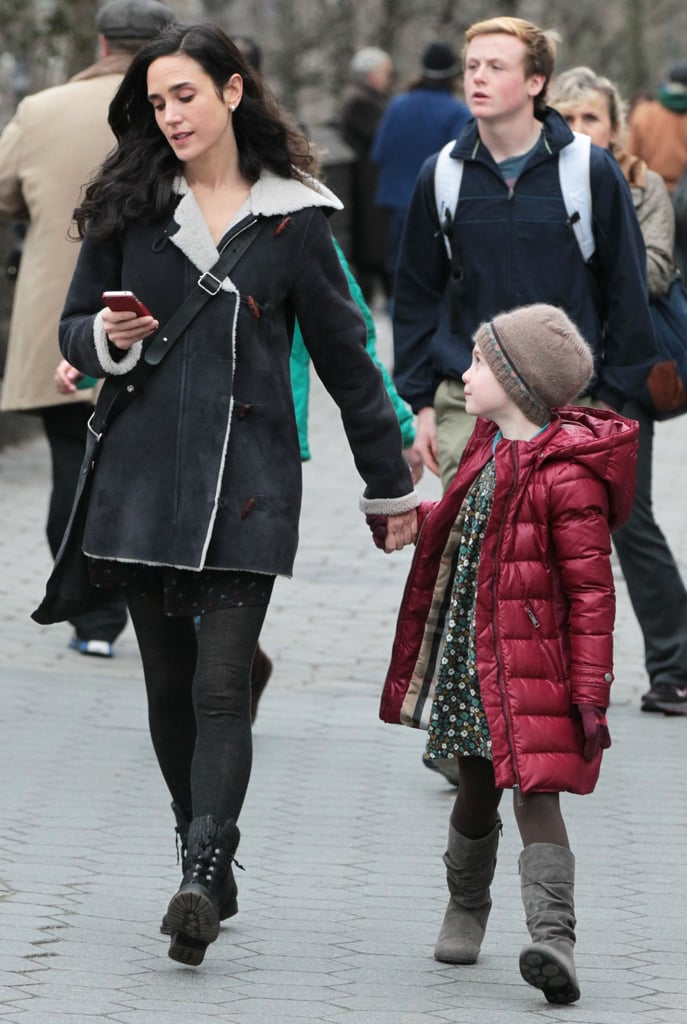 Jennifer Connelly Picks Up Agnes While Filming in NYC