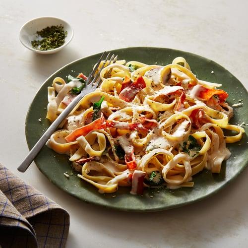 Easy Spinach, Ham, and Mushroom Fettuccine