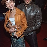 How cute! Zoë posed with her dad on the red carpet at the Grammys in February 2000.