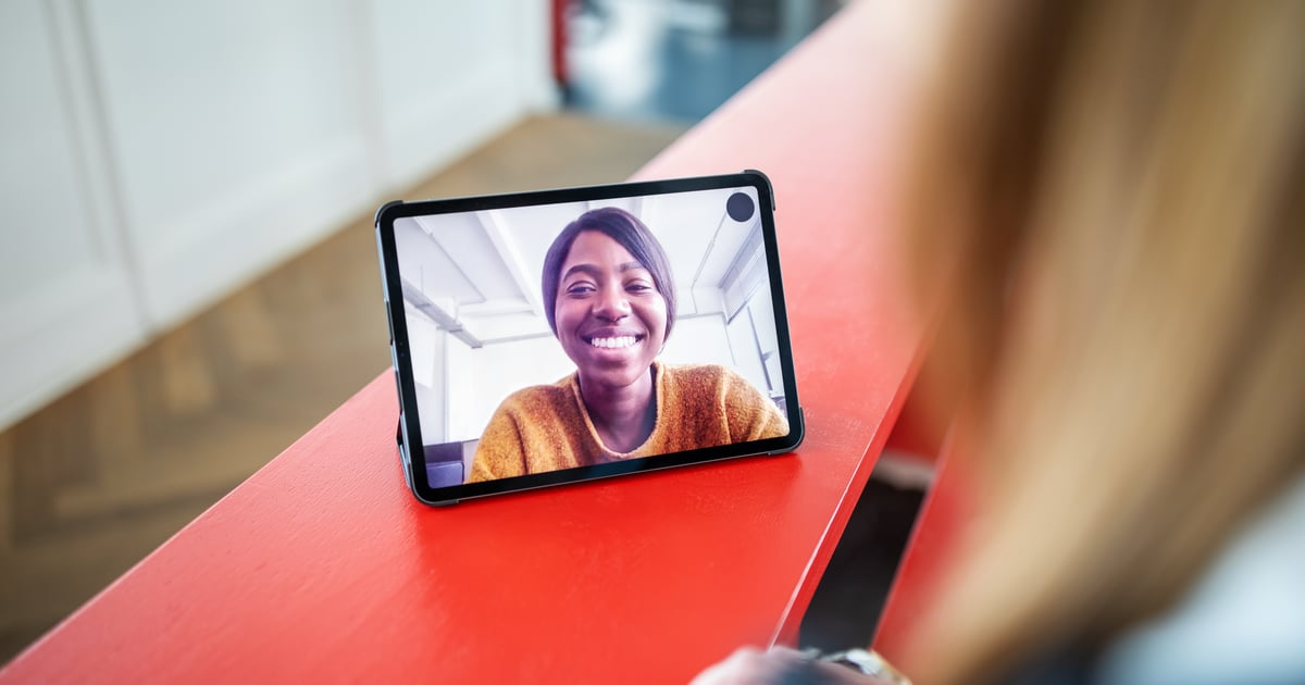 The 4 Best Online Hangout Apps For Keeping in Touch Without Going Out