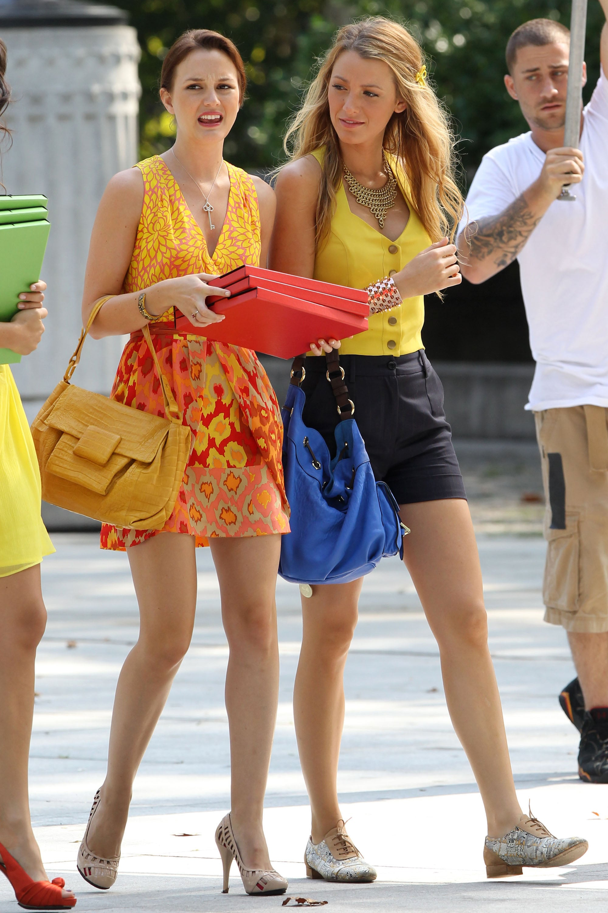 blake lively and leighton meester filming gossip girl in