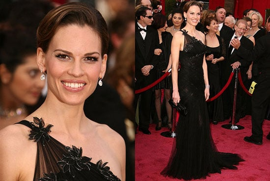 Oscars Red Carpet: Hilary Swank