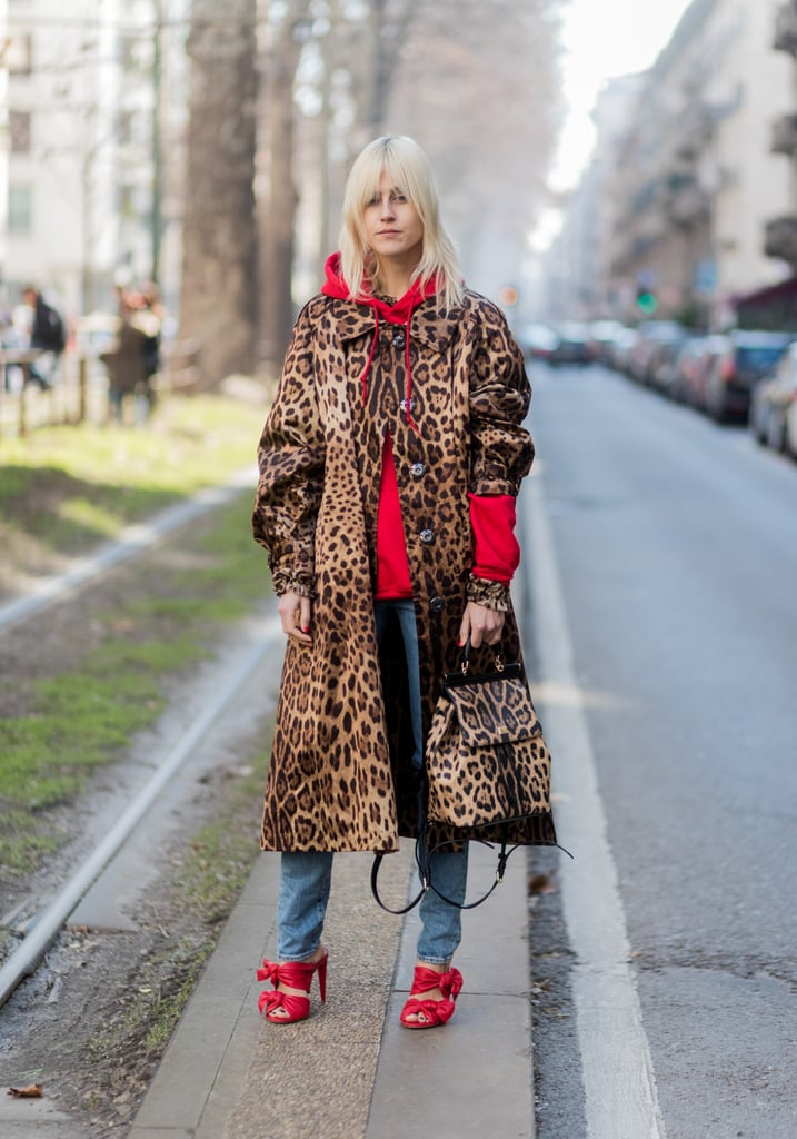 Work Your Leopard Trench With a Casual Hoodie to Surprise