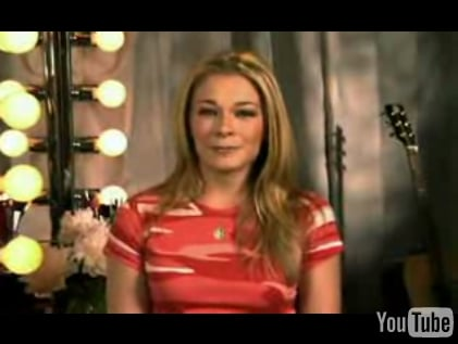 LeAnn Rimes Has Psoriasis — What Is It?