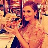 "Drew Barrymore enjoyed some ""pregnant pizza"" after the Golden Globes. Source: Instagram user drewbarrymore"