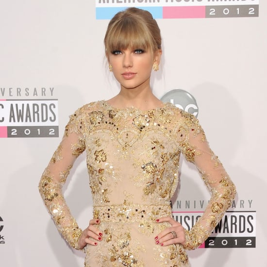 Taylor Swift on American Music Awards Red Carpet | Pictures