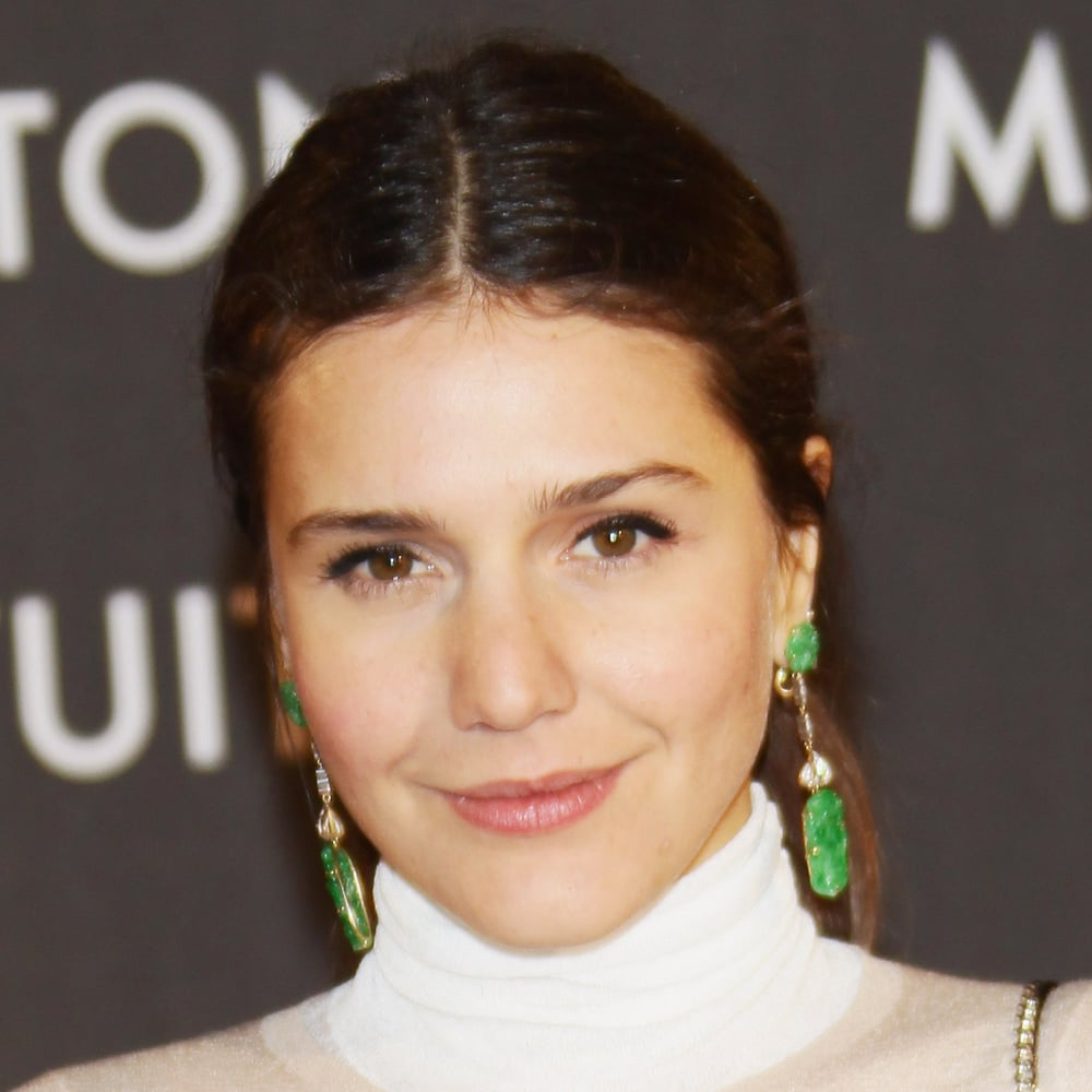 Margherita went for eyeliner on her top lid only, for the Maison Louis Vuitton Roma Etoile opening in Rome in January. Love the earrings.