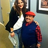 Drew Barrymore posed backstage with Chuy Bravo while stopping by Chelsea Lately. Source: Twitter user ChuyBravo