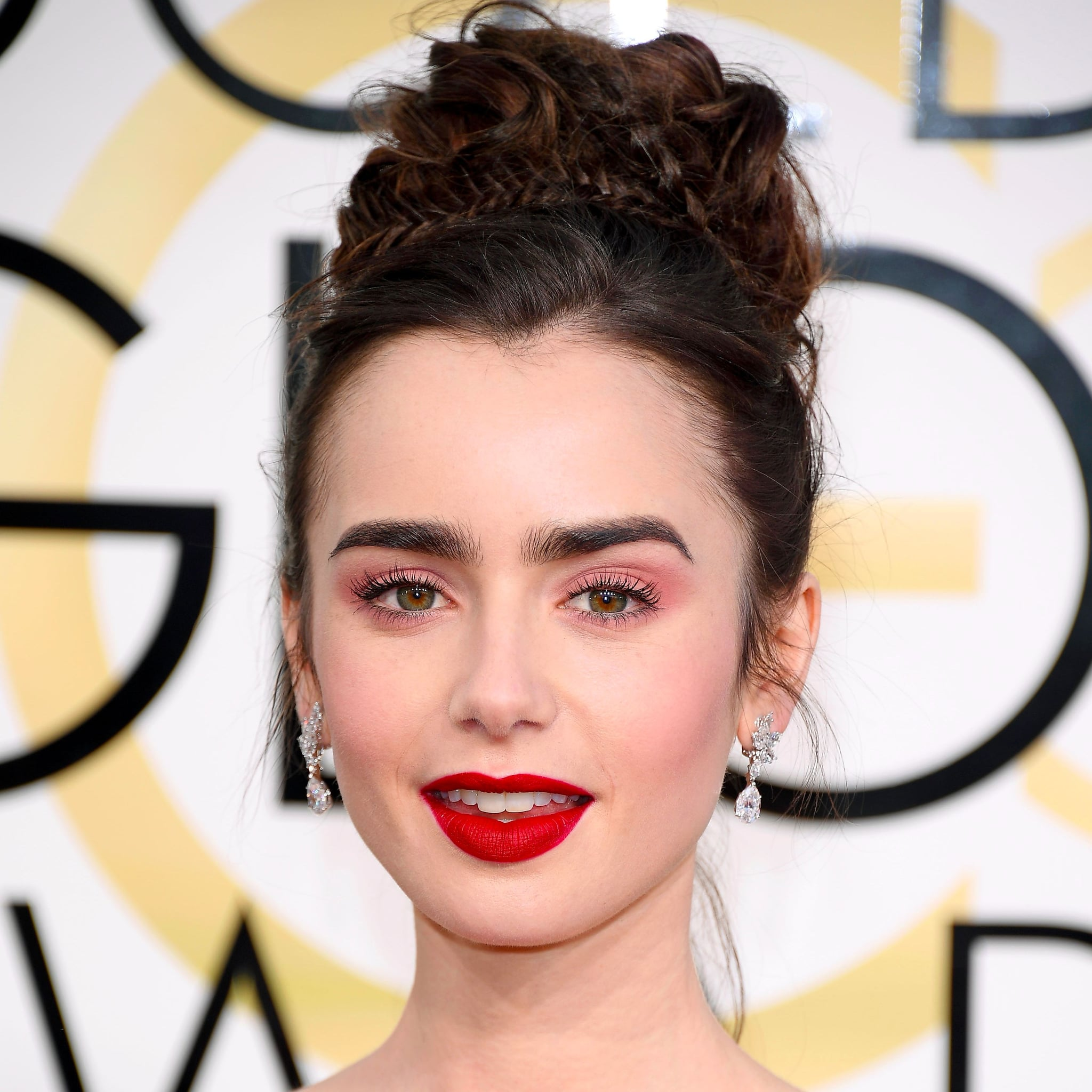 From lily collins hairstyles 2017 best haircuts and hair colors - Lily Collins Hair And Makeup At The 2017 Golden Globes Popsugar Beauty