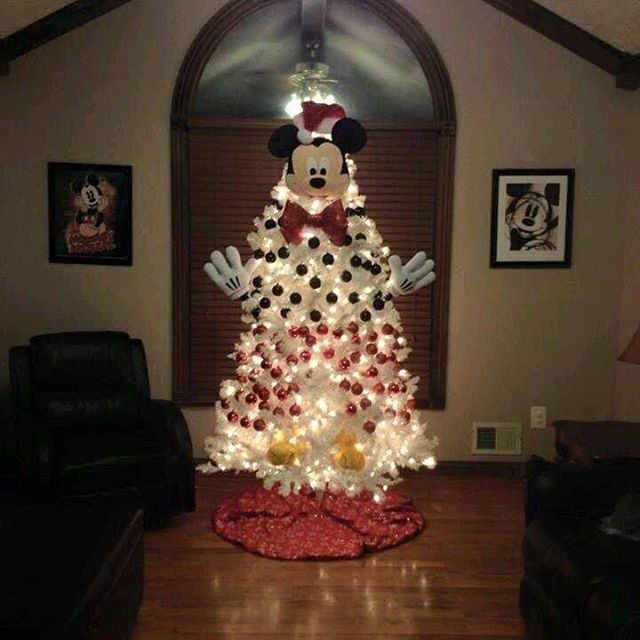 Mickey Mouse Christmas Tree.Mickey Mouse The Epic Disney Christmas Trees That Every