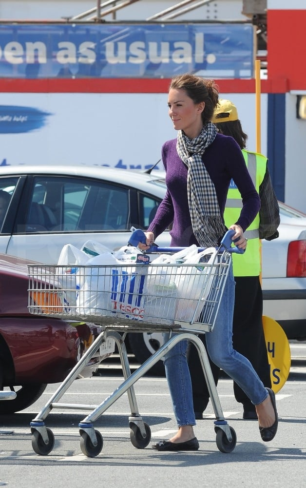 Kate middleton grocery shopping pictures popsugar celebrity for Mediashopping auto