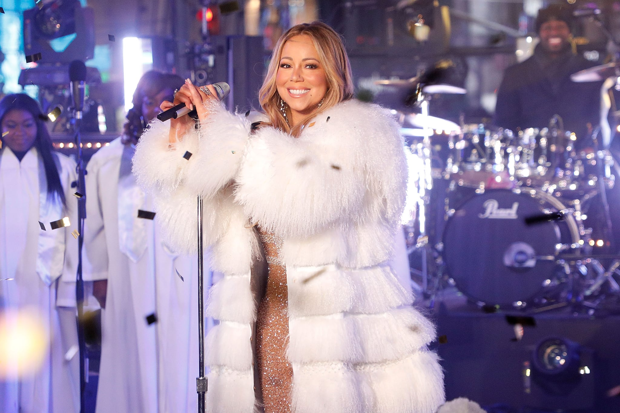 NEW YORK, NY - DECEMBER 31:  Mariah Carey performs during Dick Clark's New Year's Rockin' Eve at Times Square on December 31, 2017 in New York City.  (Photo by Taylor Hill/FilmMagic)