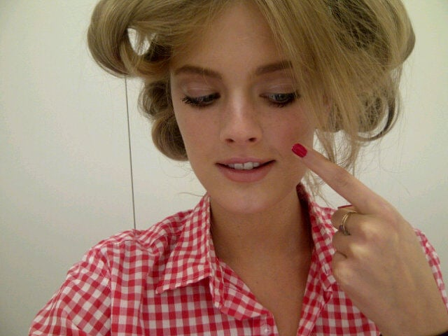 Constance Jablonski tweeted a new trend from the D&G show with fake freckles drawn on. Twitter User: constancejab