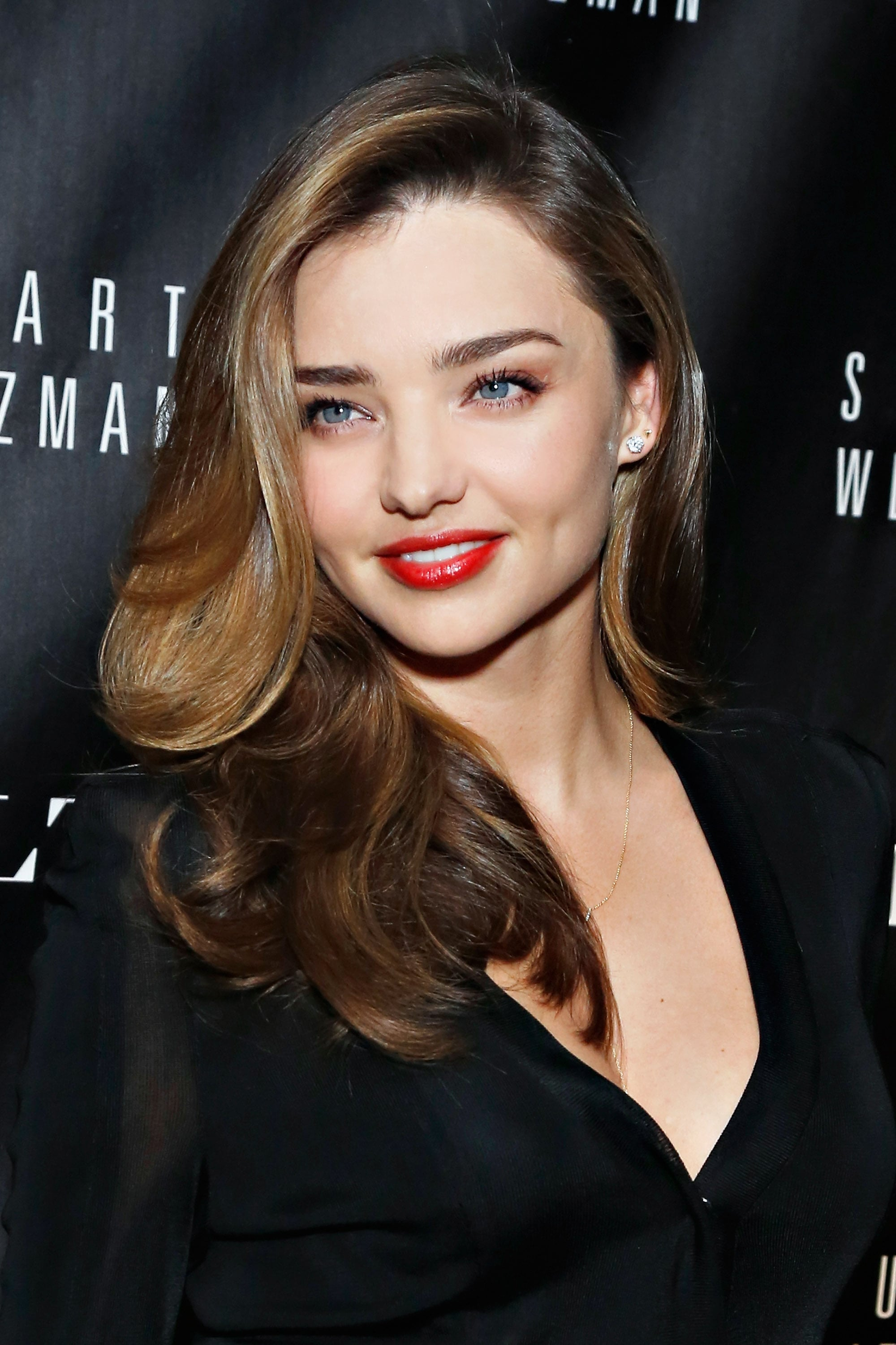 She was all about glamour at a recent event for Gilt and Stuart Weitzman, where she paired bold brows and a glossy red lip with a gorgeously voluminous blowout.