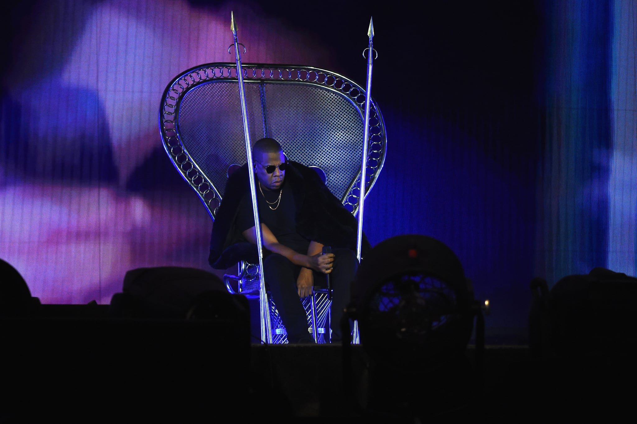 celebrity gossip news beyonc and jay z just reunited on stage and it was amazing. Black Bedroom Furniture Sets. Home Design Ideas