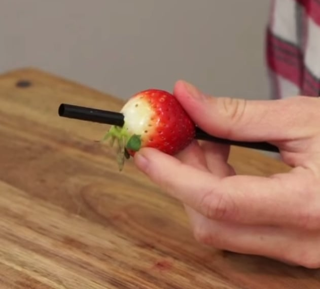 Remove Strawberry Stems With a Straw