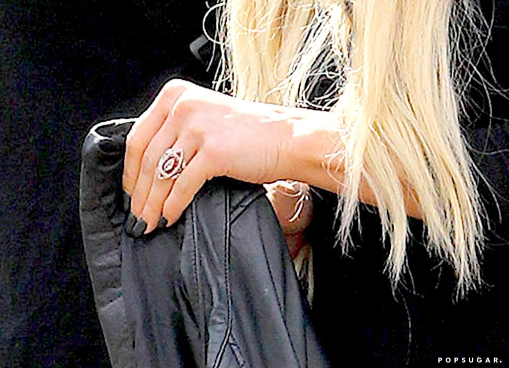 Genial Get A Closer Look At Ashlee Simpsonu0027s Engagement Ring!