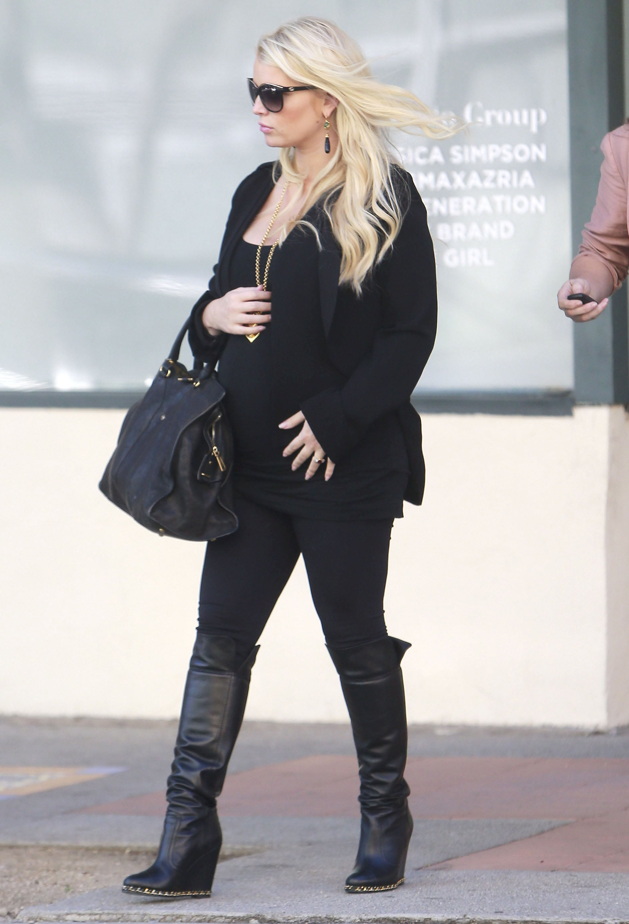 Jessica Simpson left an office building.