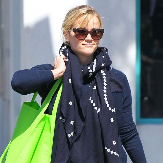 Reese Witherspoon at Glow Bio Juice in LA | Pictures