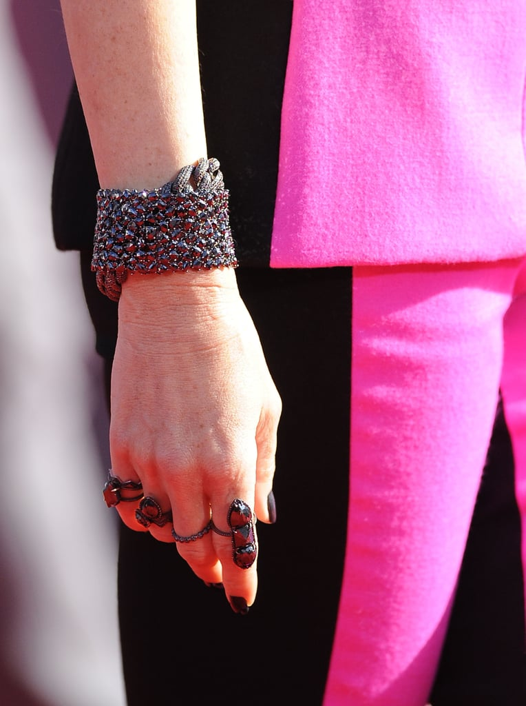 Gwen Stefani's black, glittering jewelry had a punk-like quality that felt distinctively Gwen.