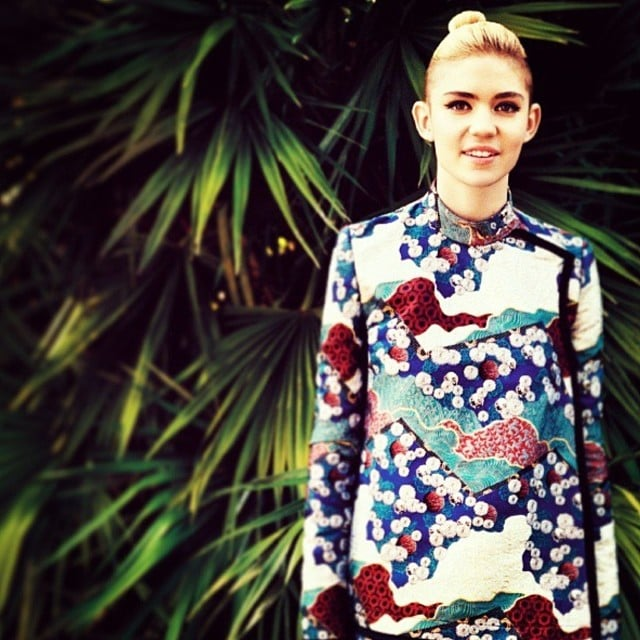 Grimes reminds us of the power of a laid-back look with a little cat eye. Source: Instagram user grimesmusic