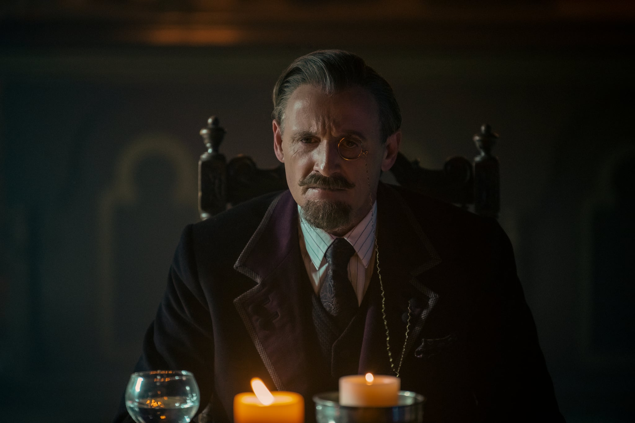 THE UMBRELLA ACADEMY COLM FEORE as SIR REGINALD HARGREEVES in episode 208 of THE UMBRELLA ACADEMY Cr. CHRISTOS KALOHORIDIS/NETFLIX  2020