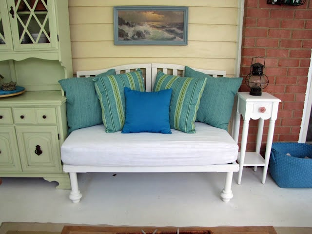 Upcycle Your Crib Into a Porch Bench