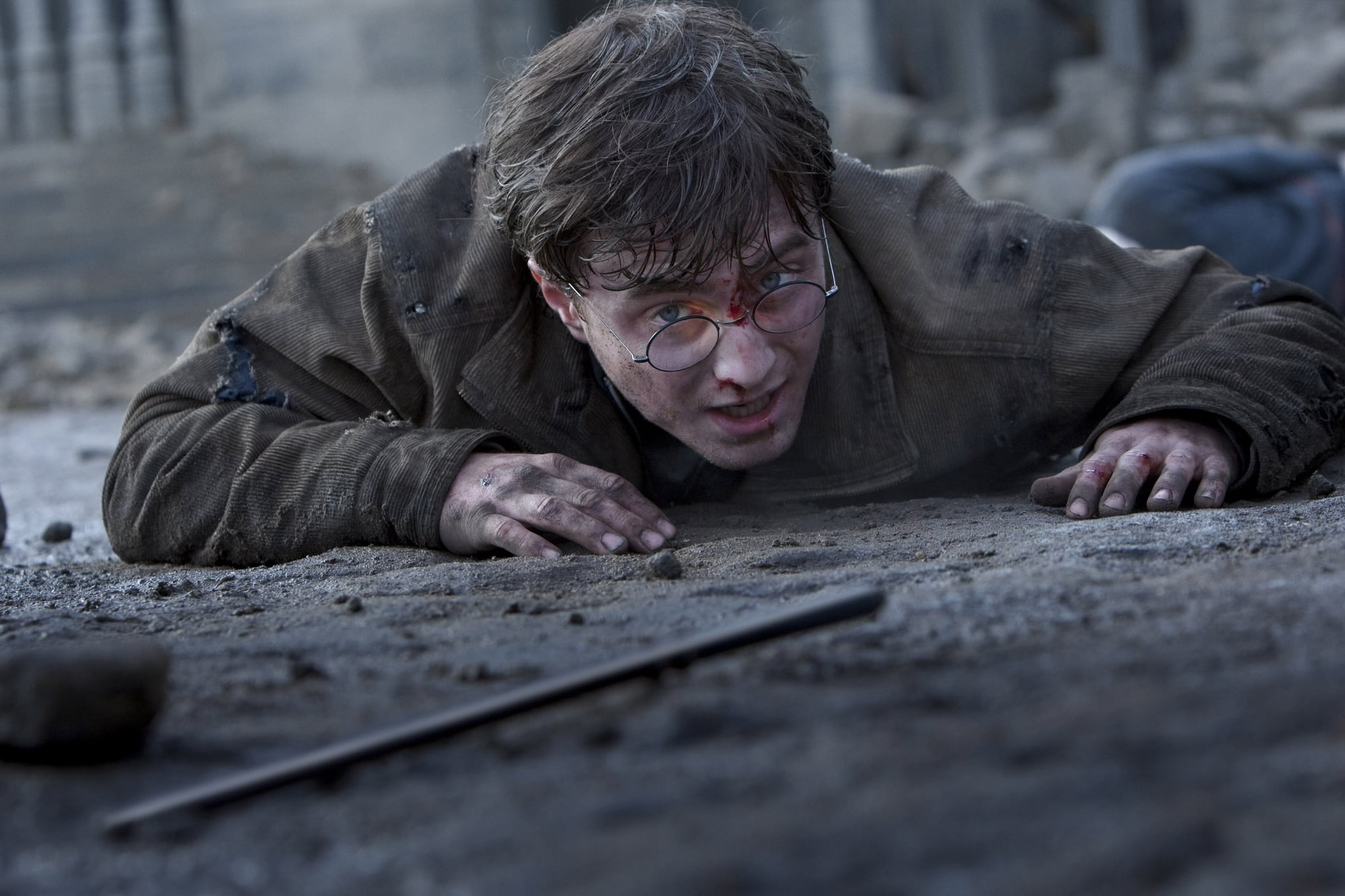 HARRY POTTER AND THE DEATHLY HALLOWS: PART 2, Daniel Radcliffe, 2011. ph: Jaap Buitendijk/2011 Warner Bros. Ent. Harry Potter publishing rights J.K.R. Harry Potter characters, names and related indicia are trademarks of and Warner Bros. Ent. All rights reserved./Courtesy Everett Collection
