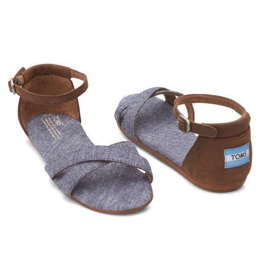 42e4cce2e89 The piece  TOMS Blue Chambray Correa Sandals