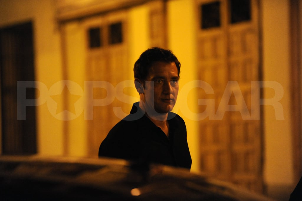Clive Owen looks hot in Spain.