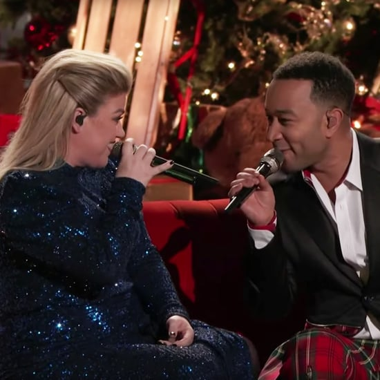 "John Legend Kelly Clarkson Perform ""Baby, It's Cold Outside"""