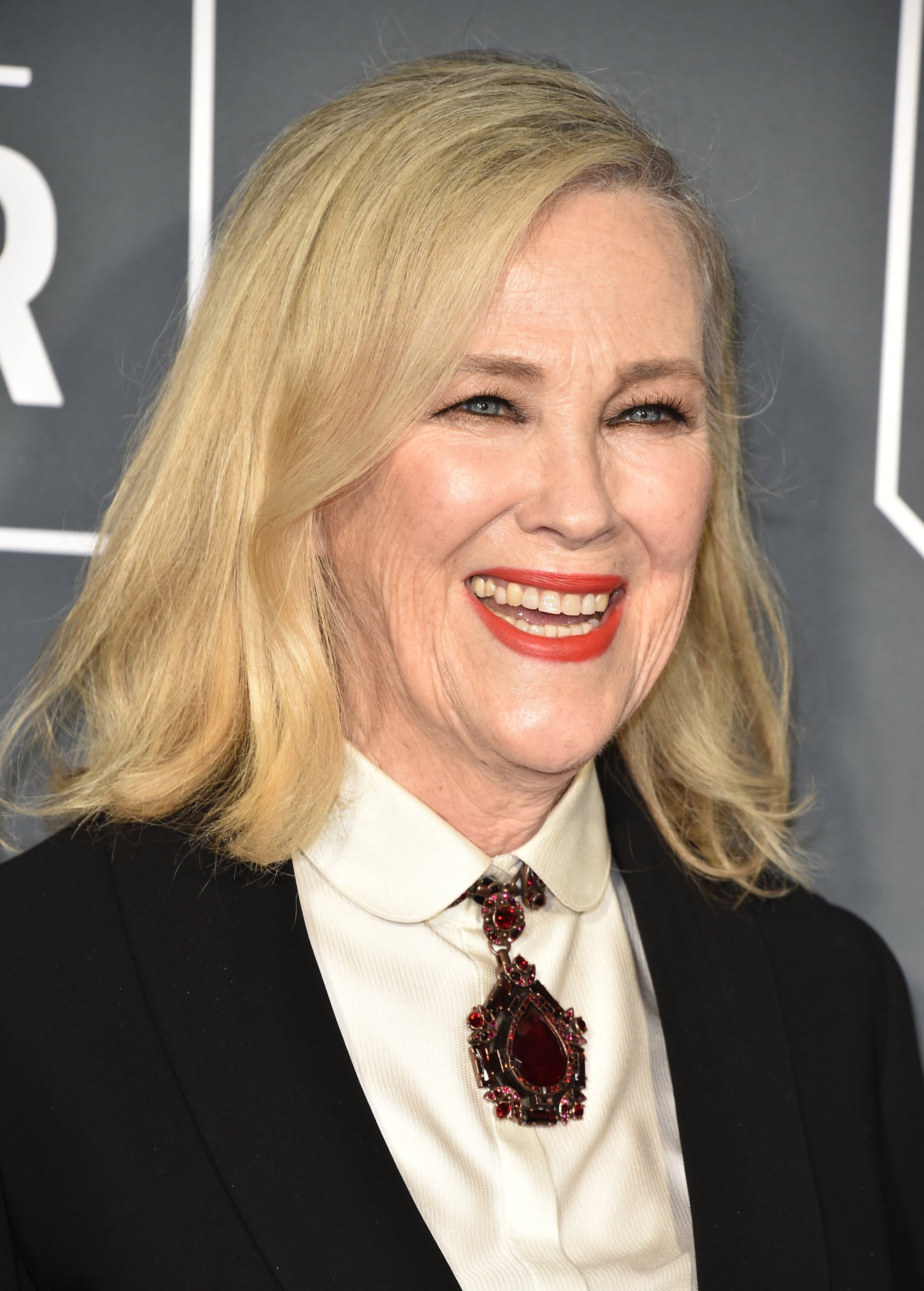 Catherine O'Hara at the 2019 Critics' Choice Awards | Johnny, Moira, David,  and Alexis Were Looking Far From Schitty at the Critics' Choice Awards |  POPSUGAR Entertainment Photo 40