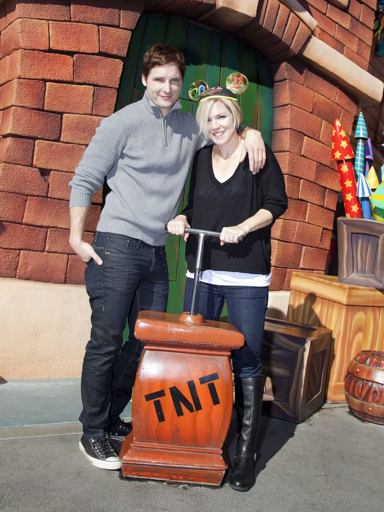 Peter Facinelli and Jennie Garth took a trip to Toon Town in December 2010.