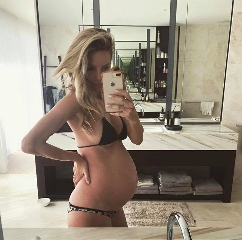 Jennifer Hawkins Pregnancy Photos
